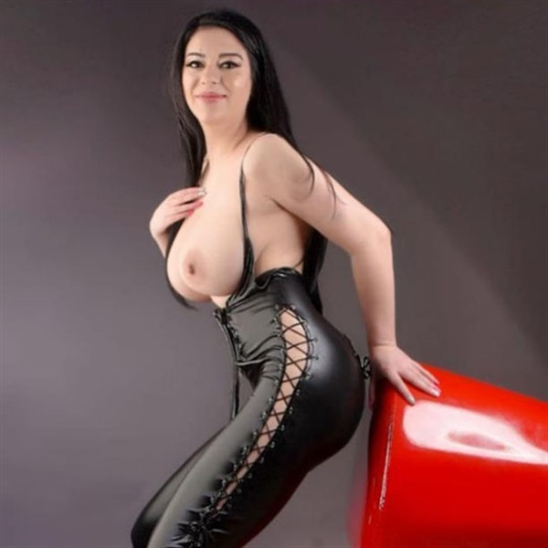 Erotisches Inserat von ALINA (modelle) aus Berlin